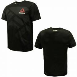 Man training T-Shirt UFC black